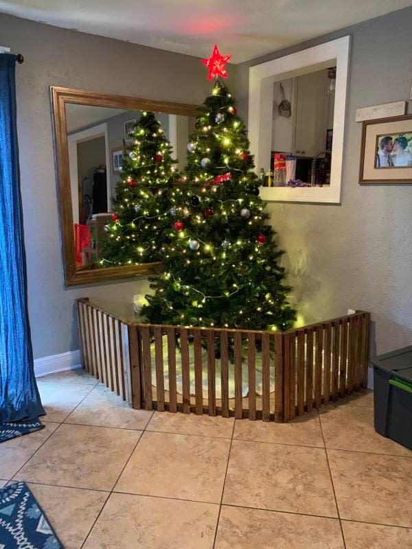 Albero di Natale anti bambino